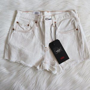 Levi's White 501 Raw Hem Shorts Size 25
